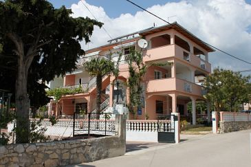 Pakoštane, Biograd, Property 6161 - Apartments blizu mora with pebble beach.