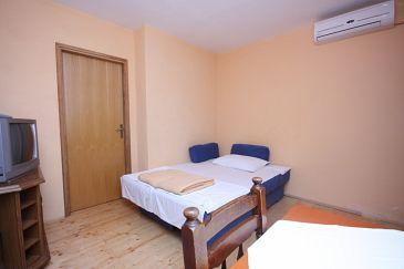 Zemunik Donji, Living room u smještaju tipa apartment, dostupna klima i WIFI.