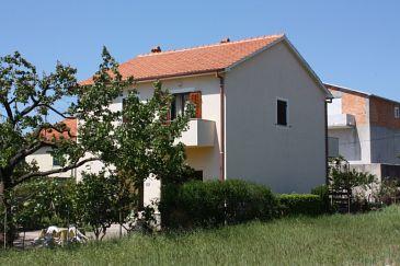Obiekt Turanj (Biograd) - Zakwaterowanie 6212 - Apartamenty ze żwirową plażą.