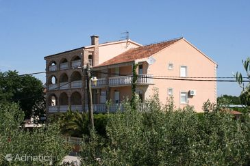Property Biograd na Moru (Biograd) - Accommodation 6219 - Rooms with sandy beach.
