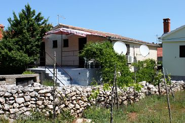 Property Veli Iž (Iž) - Accommodation 6253 - Apartments with rocky beach.