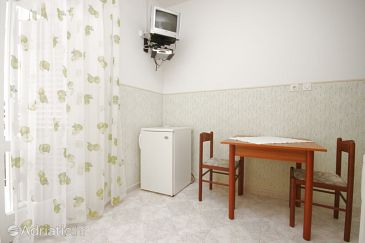 Jakišnica, Dining room u smještaju tipa apartment, dopusteni kucni ljubimci i WIFI.
