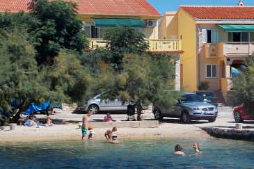 Property Kustići (Pag) - Accommodation 6286 - Apartments near sea with pebble beach.