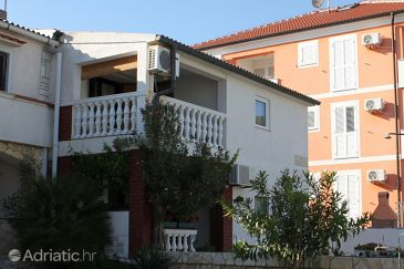 Property Povljana (Pag) - Accommodation 6315 - Apartments with pebble beach.