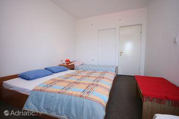 Povljana, Bedroom u smještaju tipa room, dopusteni kucni ljubimci.