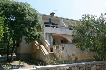 Property Mandre (Pag) - Accommodation 6372 - Apartments near sea.