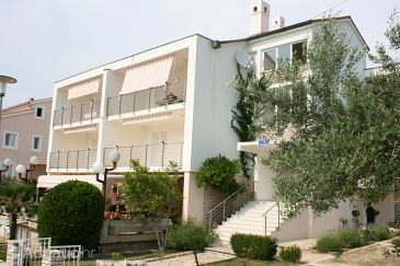 Property Novalja (Pag) - Accommodation 6398 - Apartments with pebble beach.