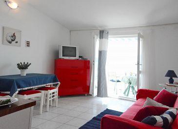 Apartment A-6447-d - Apartments and Rooms Pirovac (Šibenik) - 6447