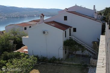 Property Pag (Pag) - Accommodation 6467 - Apartments with pebble beach.