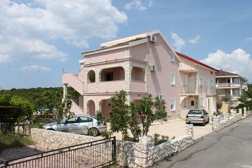 Property Mandre (Pag) - Accommodation 6507 - Apartments near sea with pebble beach.