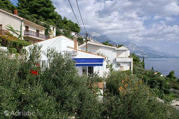 Property Pisak (Omiš) - Accommodation 652 - Apartments near sea with rocky beach.