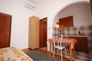 Starigrad, Dining room u smještaju tipa studio-apartment, WIFI.