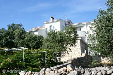 Property Jakišnica (Pag) - Accommodation 6584 - Apartments near sea with pebble beach.