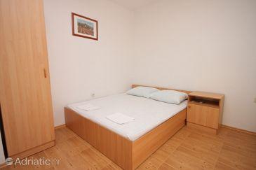 Apartment A-6595-d - Apartments Starigrad (Paklenica) - 6595