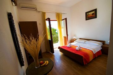 Room S-6634-a - Apartments and Rooms Starigrad (Paklenica) - 6634