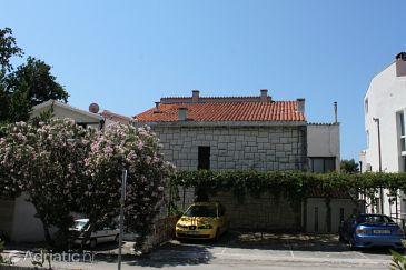 Property Brela (Makarska) - Accommodation 6686 - Apartments near sea with pebble beach.