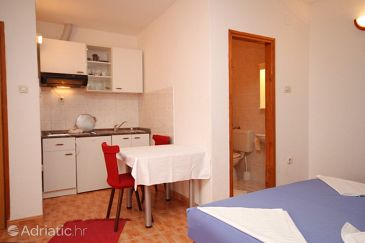 Studio flat AS-6692-b - Apartments Makarska (Makarska) - 6692