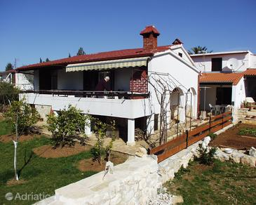 Property Petrčane (Zadar) - Accommodation 670 - Apartments near sea with pebble beach.