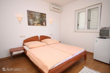 Room S-6704-d - Apartments and Rooms Baška Voda (Makarska) - 6704