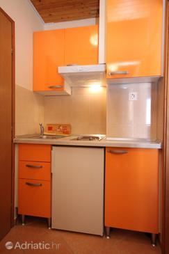 Makarska, Kitchen u smještaju tipa studio-apartment, WIFI.