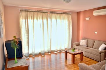 Apartment A-6720-a - Apartments Makarska (Makarska) - 6720