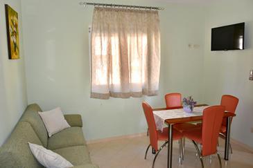 Apartment A-6720-b - Apartments Makarska (Makarska) - 6720