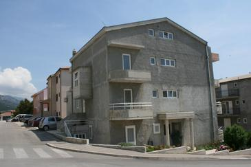 Property Makarska (Makarska) - Accommodation 6720 - Apartments with pebble beach.