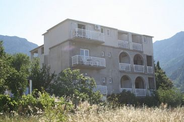 Property Gradac (Makarska) - Accommodation 6724 - Apartments with pebble beach.