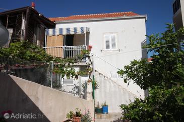 Property Sućuraj (Hvar) - Accommodation 6731 - Apartments near sea with pebble beach.
