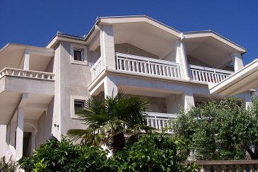 Property Podaca (Makarska) - Accommodation 6736 - Apartments with pebble beach.
