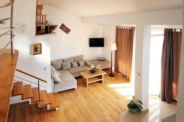 Apartment A-6740-a - Apartments Makarska (Makarska) - 6740
