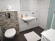 Bathroom - Apartment A-6758-a - Apartments Makarska (Makarska) - 6758