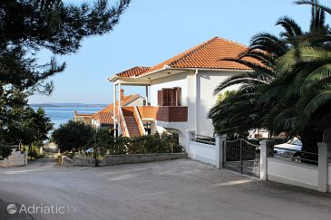 Property Kožino (Zadar) - Accommodation 676 - Apartments near sea.