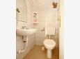 Toilet - Apartment A-6767-b - Apartments and Rooms Makarska (Makarska) - 6767