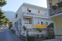 Apartments and rooms with parking space Makarska - 6778