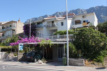 Property Makarska (Makarska) - Accommodation 6784 - Apartments with pebble beach.