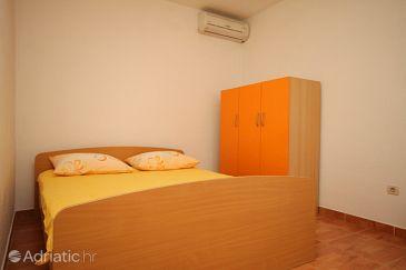 Apartment A-6792-a - Apartments Veliko Brdo (Makarska) - 6792
