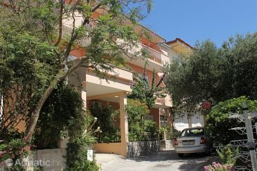 Property Tučepi (Makarska) - Accommodation 6806 - Apartments near sea with pebble beach.