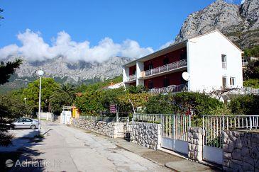 Property Zaostrog (Makarska) - Accommodation 6811 - Apartments near sea with pebble beach.