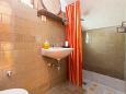 Bathroom 1 - Apartment A-6814-a - Apartments Makarska (Makarska) - 6814