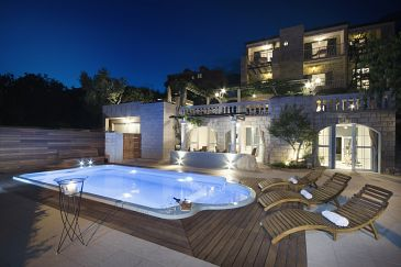 Property Tučepi (Makarska) - Accommodation 6817 - Apartments with pebble beach.