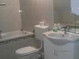 Bathroom 1 - Apartment A-6828-b - Apartments and Rooms Brela (Makarska) - 6828