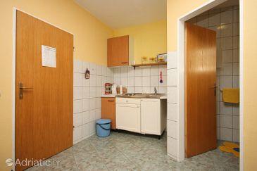 Studio flat AS-6834-a - Apartments and Rooms Makarska (Makarska) - 6834