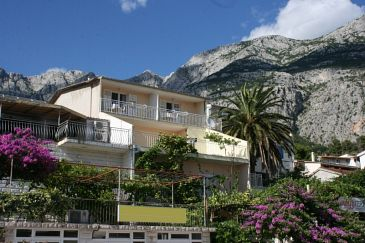 Property Makarska (Makarska) - Accommodation 6844 - Apartments with pebble beach.