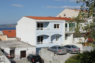 Baška Voda, Makarska, Property 6872 - Apartments with pebble beach.