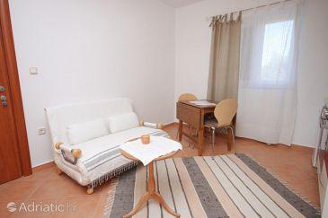 Brodarica, Dining room u smještaju tipa apartment, dostupna klima, dopusteni kucni ljubimci i WIFI.