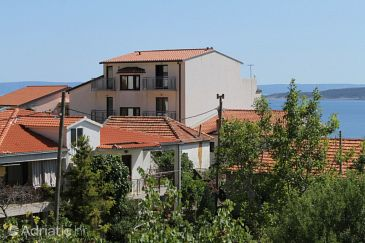 Property Brela (Makarska) - Accommodation 6908 - Apartments with pebble beach.