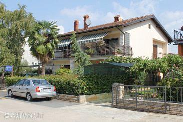 Property Novigrad (Novigrad) - Accommodation 6925 - Apartments with pebble beach.