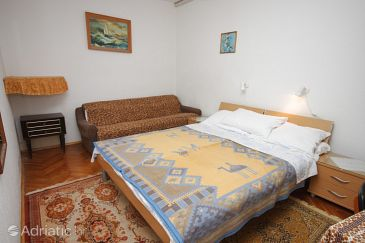 Room S-6930-c - Apartments and Rooms Novigrad (Novigrad) - 6930