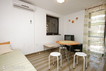 Apartment A-6989-b - Apartments Pješčana Uvala (Pula) - 6989